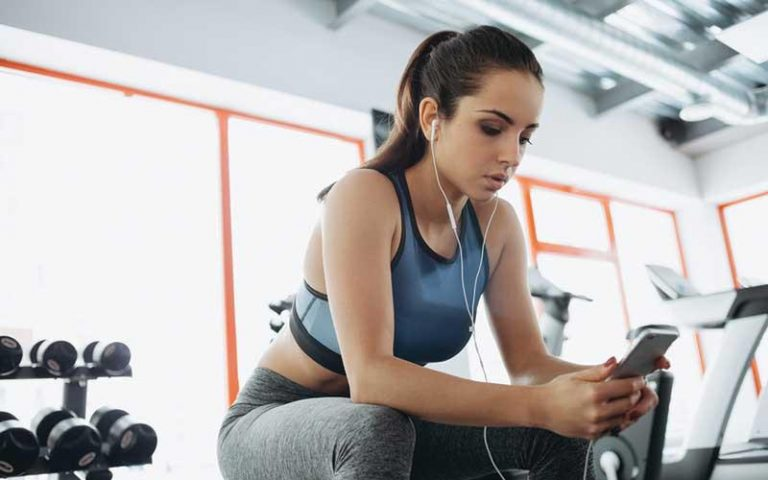 benefits-of-listening-to-music-in-the-gym-bulksupplementsdirect